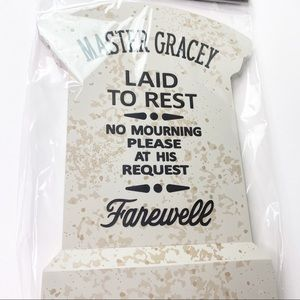 Disney NWT Haunted Mansion Master Gracey Tombstone